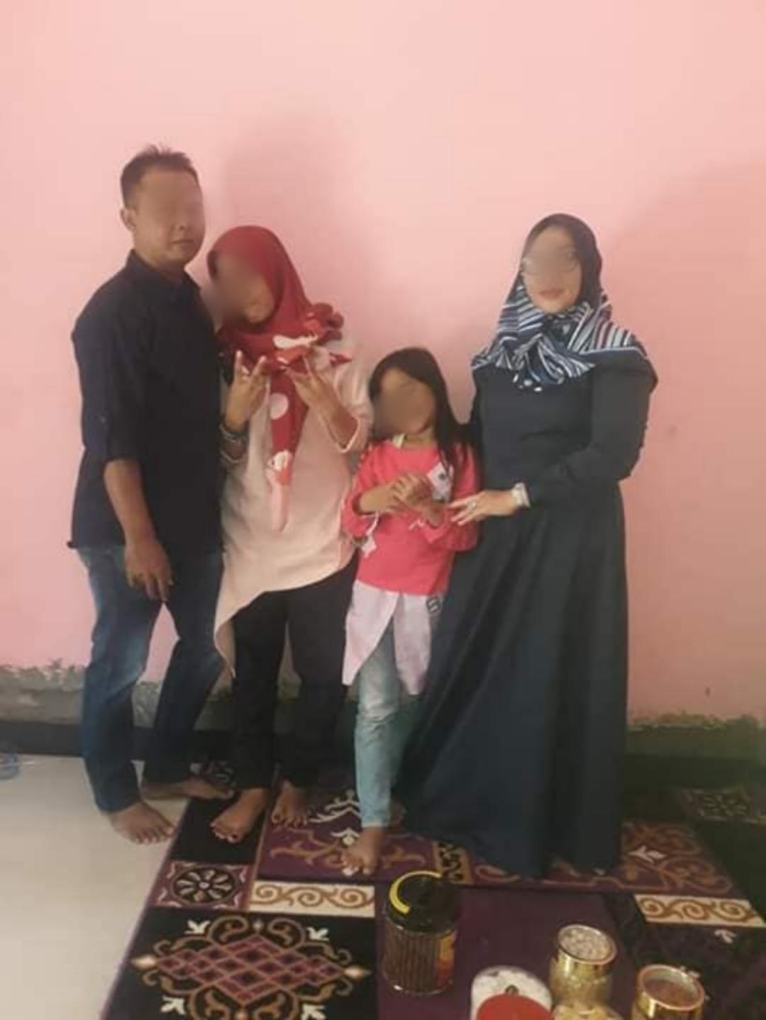 RUhyatun dan keluarga (FB)
