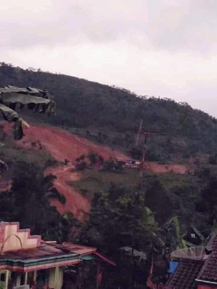 Longsor di Sukabumi