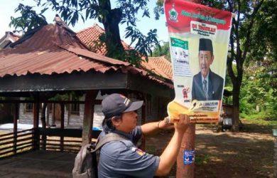 Alat Peraga Kampanye di Cirebon