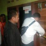 Garis polisi di lokasi terjadinya pembunuhan suami terhadap istri di Klangenan Cirebon (kirno)