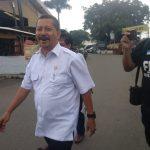 Asdullah, Kepala Dinas Pendidikan Kota Cirebon, usai diperiksa KPK di ruang Bhayangkari Polres Cirebon Kota (Ciko)