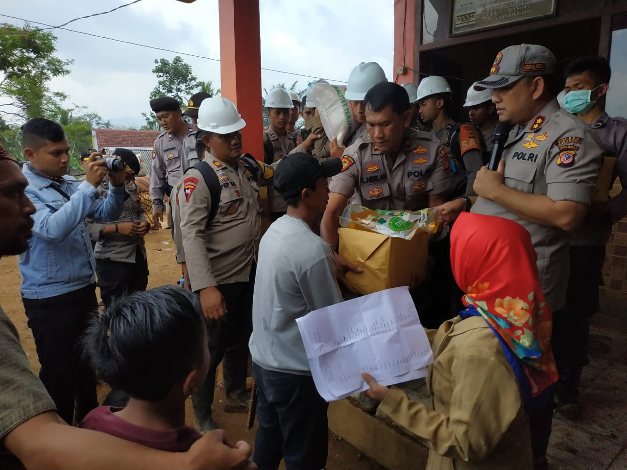 Doa Bersama di Lokasi Longsor di Sukabumi