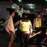 Jajaran Polsek Kedawung Polres Cirebon Kota gelar razia Sabtu malam. (kirno)