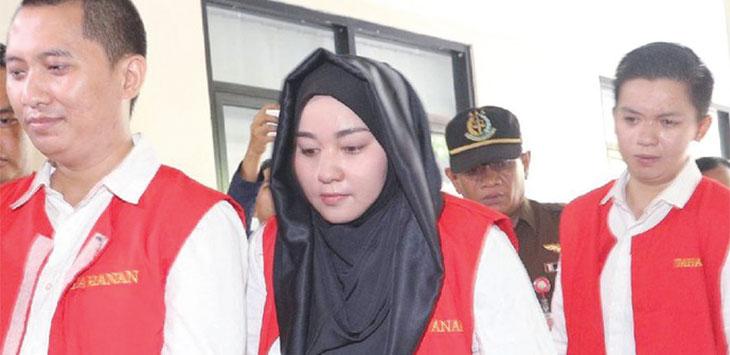 Andika Surachman, Annisa Hasibuan, dan Kiki Hasibuan usai menjalani sidang beberapa waktu lalu. Ist