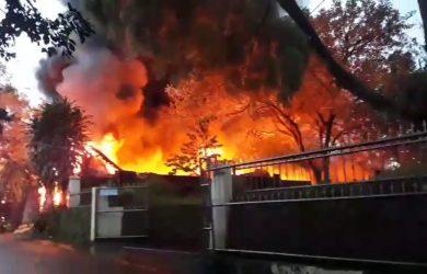Kebakaran di Cimahpar