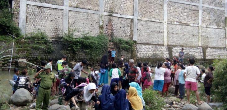 Lokasi pembuangan bayi di Sungai Cipager Kabupaten Cirebon (kirno)