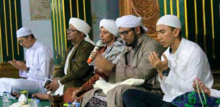 Majelis Rasulullah Deklarasi Pemilu Damai di Masjid At-Taqwa Kecamatan Ciawigebang-Kuningan./Foto: Ipay