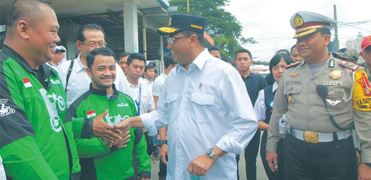 KUNJUNGAN KERJA: Menteri Perhubungan Budi Karya Sumadi melakukan kunjungan kerja di Kota Depok, Sabtu (5/1/19). Ahmad Fachry/Radar Depok