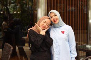 Nissa Sabyan bersama Nurasia Sandiaga Uno (Instagrm)
