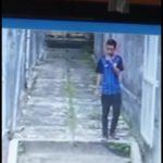 Pelaku penusukan siswi SMK di Jalan Riau yang terekam CCTV milik warga (adi)