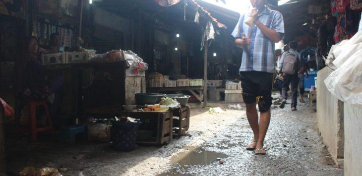 Kondisi atau Pemandangan di pasar tradisional Indramayu (yanto)