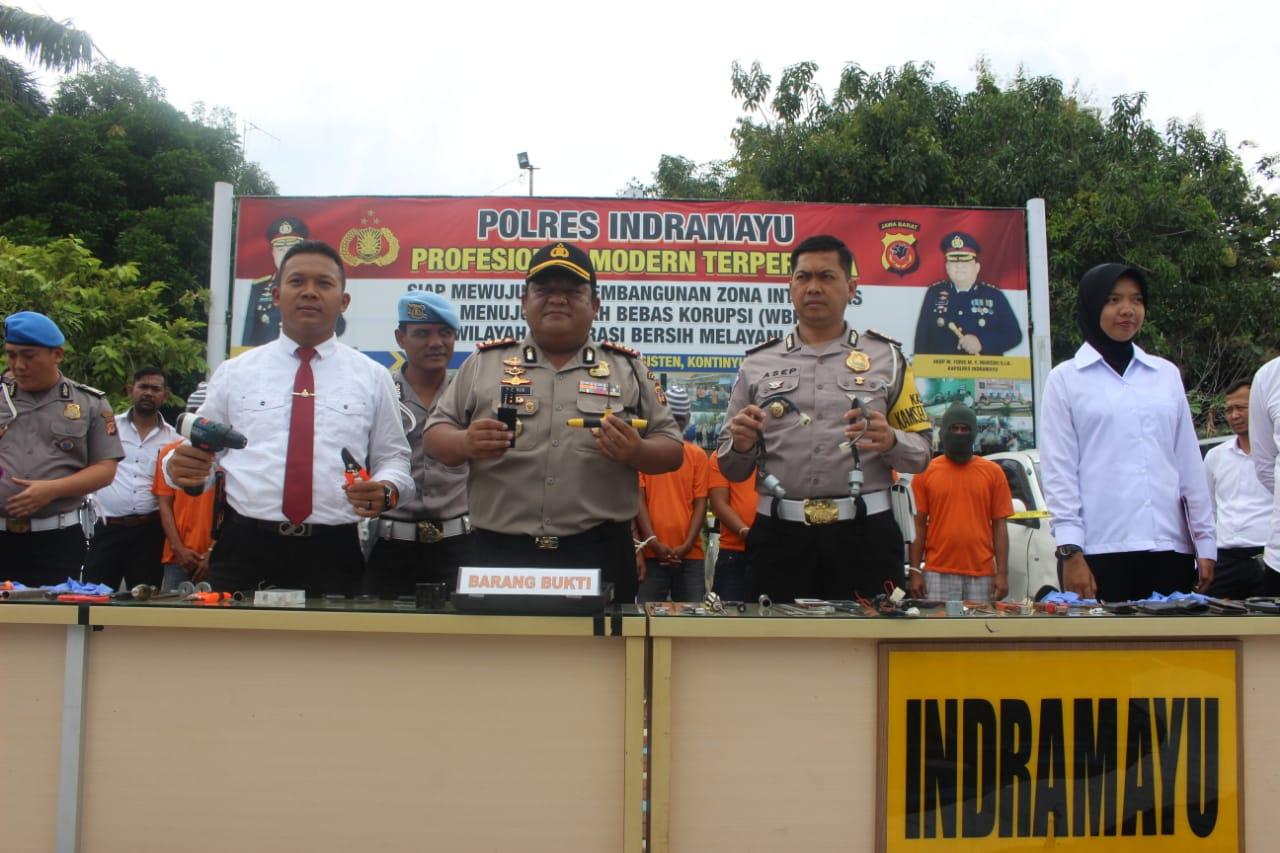 Polres Indramayu tangkap komplotan spesialis pencuri mobil (yanto)