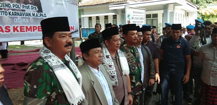 Silaturahmi Kebangsaan di Pondok Pesantren KHAS Kempek   .(kir/pojokjabar.com)