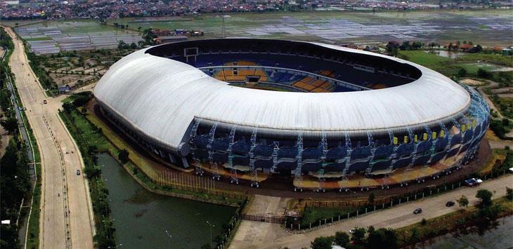 FOTO UDARA: Suasana Stadion Gelora Bandung Lautan Api (GBLA) dari udara./Foto: RIANA SETIAWAN  RADAR BANDUNG