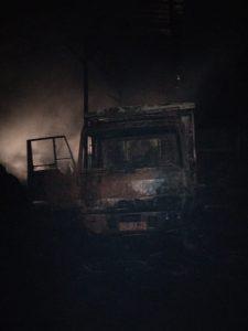 Truk fuso milik Pak Kamerun yang ikut terbakar di Kecamatan Panguragan Cirebon (kirno)