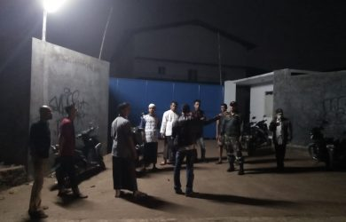 Warga di sekitar pabrik yang menyebabkan keracunan gas di dua kampung di Gunungsindur dan Parung (rishad)