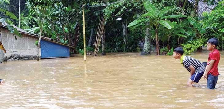 Banjir di Kampung Pasirrarangan, RT 2/6, Desa Pangkalan, Kecamatan Cikidang.