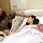 Ani Yudhoyono mendapatkan perawatan di National University Hospital
