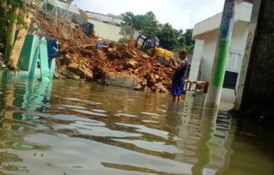 Banjir di perumahan tirta Depok.