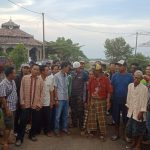 Belasan warga Tawangsari bertemu Ketua Distrik LSM GMBI Cirebon Raya (yon)