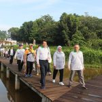 Bupati Bogor Ade Yasin meninjau lokasi Kebun Raya Cibinong ke depan