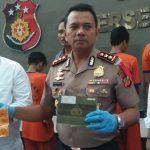 Jajaran Reskrim Polres Cirebon memaparkan ke publik usai membekuk pelaku curanmor (kirno)
