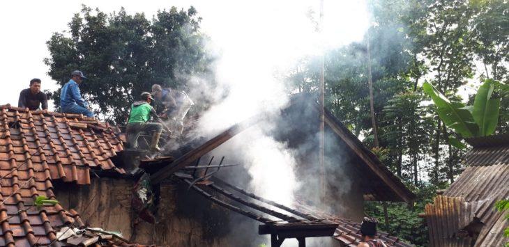 Kebakaran rumah di Desa Lemahsugih, Kecamatan Lemahsugih, Kabupaten Majalengka (ist)