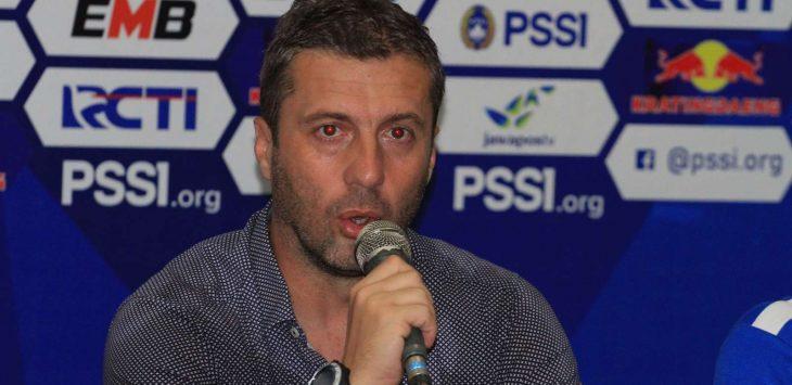 Pelatih Persib Bandung Miljan Radovic