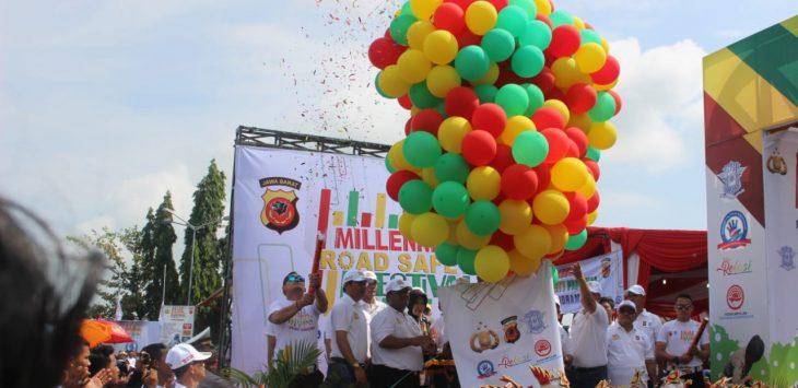 Pelepasan rombongan Millenial Road Safety Festival dari Indramayu menuju Majalengka (yanto)