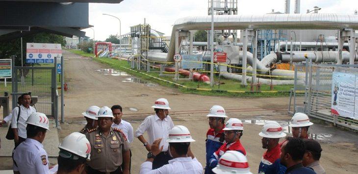 Polres Indramayu bersiap melakukan pengecekan di lokasi kebakaran Pertamina EP Balongan2./Foto: Yanto
