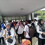 Ratusan honorer PPPK Kabupaten Bogor yang mendatangi Kantor BKPP (rishad)