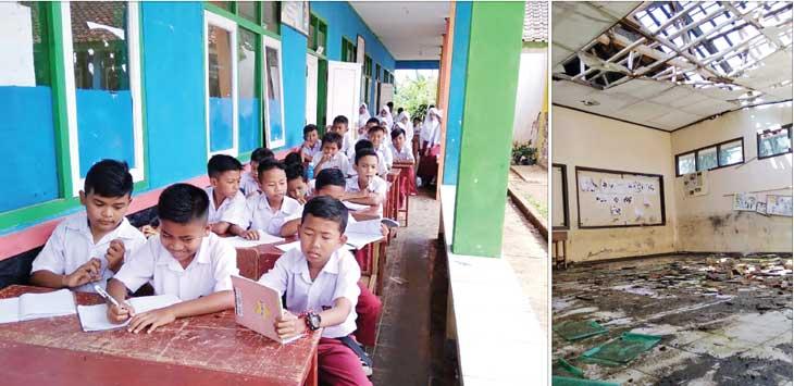 PRIHATIN : Puluhan siswa kelas II SDN Bojong Duren, Desa Panumbangan, Kecamatan Jampangtengah, Kabupaten Sukabumi saat melakukan proses KBM di teras sekolah. Hal itu dilakukan akibat ruang kelas yang biasa digunakan atapnya roboh dan tak mungkin dipakai lagi karena membahayakan siswa