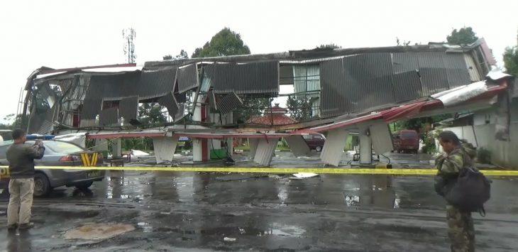 SPBU Cibadak Sukabumi yang rusak akibat angin puting beliung (ist)