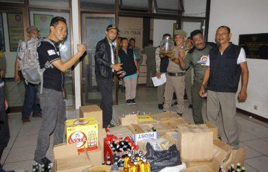 Satpol PP Kabupaten Bogor sita miras di malam Valentine