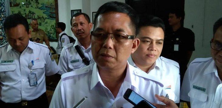 VP PT KAI Daop III Cirebon Tamsil Nurhamedi saat memberikan keterangan./Foto: Alwi