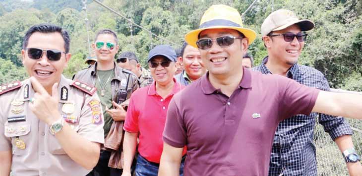 Kang Emil saat mengunjungi destinasi wisata di Sukabumi