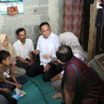 Plt Bupati Bekasi kunjungi warga penderita tumor lidah di Tambun Selatan.