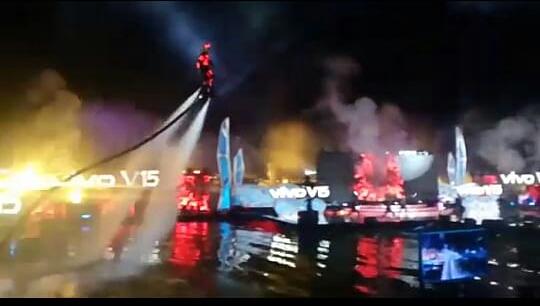 Spektakuler peluncuran smartphone Vivo V15 panggung terbesar diatas air di purwakarta