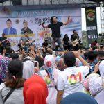 Jalan Sehat Majalengka Raharja bersama Penyanyi beken Charly Vanhouten Setia Band yang digelar Minggu pagi (ist)