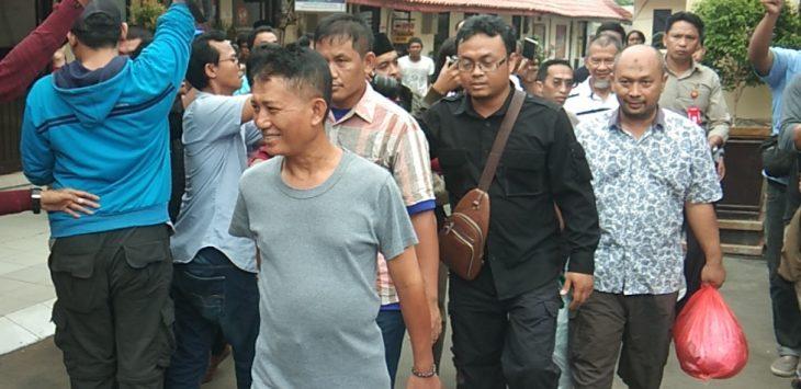 Kelima tersangka kasus korupsi Jalan Rinjani Raya-Bromo dan Mahoni Kota Cirebon dilimpahkan polres ke kejaksaan. (Kirno)