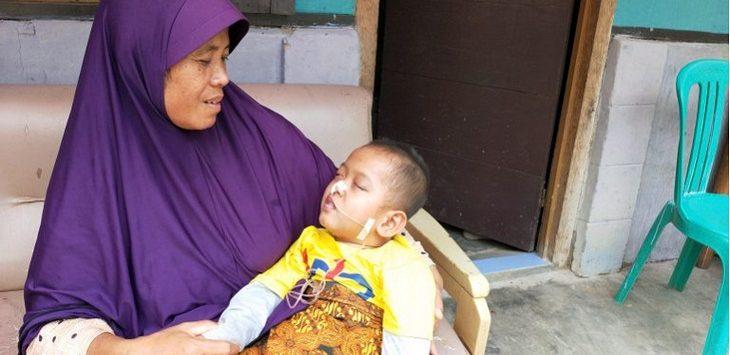Muhammad Rizky lemas tidak berdaya sejak usia satu tahun./Foto: RC