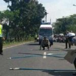 Olah TKP polisi terkait baliho Jokowi Ma'ruf Amin yang menewaskan pengendara motor di Ciamis (int)