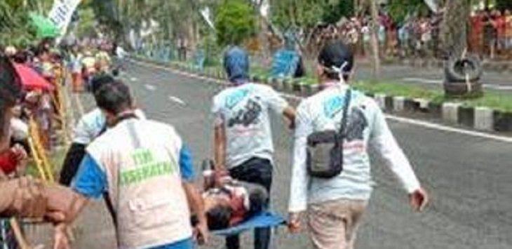 Pembalap Cirebon alami kecelakaan  di sirkuit sekitaran lingkungan Pemerintah Daerah (Pemda) Kabupaten Cirebon, Minggu (17/3/2019)./Foto: Istimewa