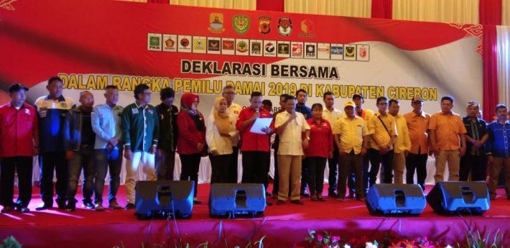 Deklarasi Bersama ketua Parpol dan para Caleg se Kabupaten Cirebon.Kirno/pojokjabar