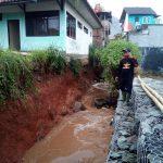 Salah satu lokasi banjir di Bandung yang terjadi Selasa siang (arif)