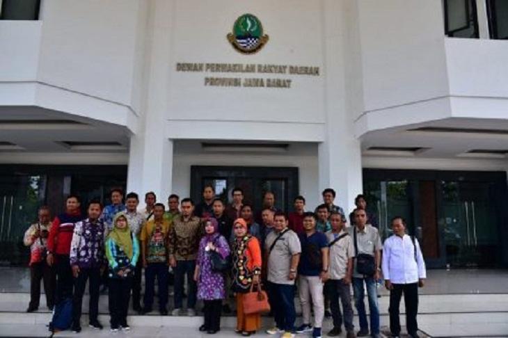 Sekretariat DPRD Kalsel Kunjungi DPRD Jabar Ngomongin Wartawan, Soal Apa