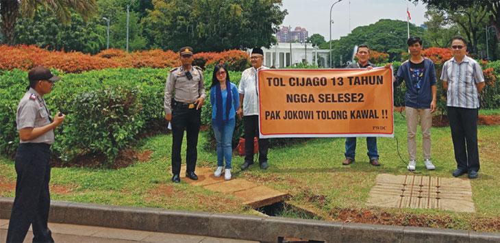 Pembebasan Tak Kunjung selesai warga yang tergabung dalam Paguyuban Warga Depok– Cijago (PWDC), mengadukan nasibnya ke Presiden Jokowi.