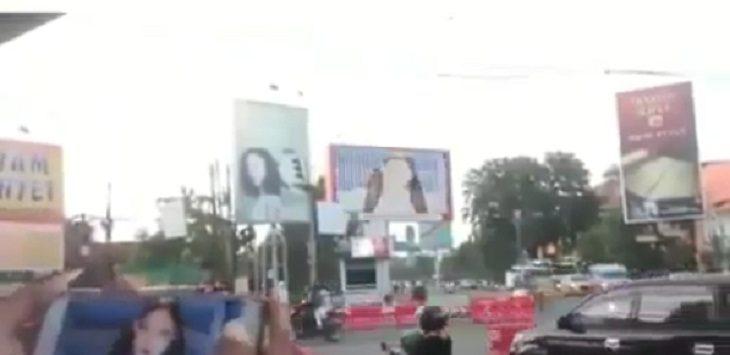 Blackpink terlihat di Videotron Cirebon./Foto: Istimewa