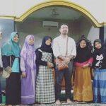 Berkah Kedatangan Ulama Mantan Tawanan Israel, Ruben Masuk Islam di Masjid Bodesari