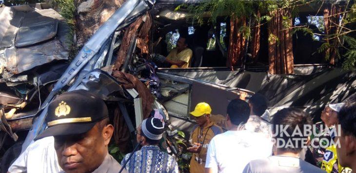 Bus siswa MAN 3 Sukabumi kecelakaan di Jalan Provinsi ruas Waluran - Jampang Kulon, Sukabumi (foto sukabumi update)